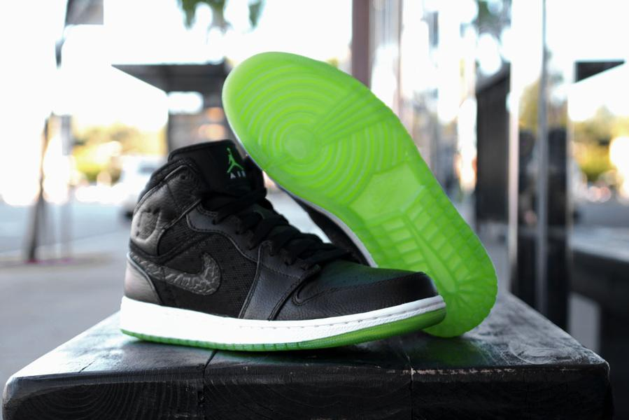 Air Jordan 1 Phat Black/Action Green-White