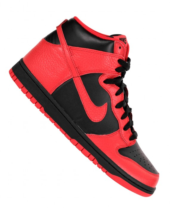 Nike Dunk High Black/Action red